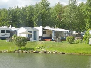 Roulotte Mountaineer 35.5 pieds au Camping Granby (5 étoiles) Granby Québec image 1