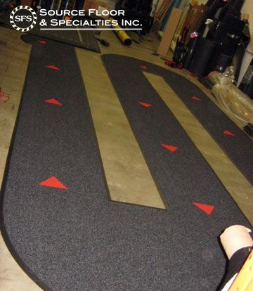 We created this custom directional queuing mat for the St. John's branch of Scotiabank in Antigua using our Grizzly FX in Onyx colour with Victory Red inlaid arrows.