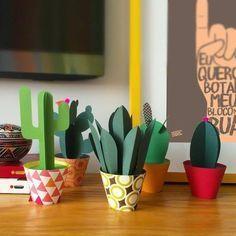 Cómo hacer cactus con cartulina de decoración | Manualidades de Papel