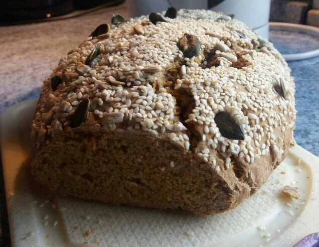 Selbst gebackenes Joghurt-Roggen Brot