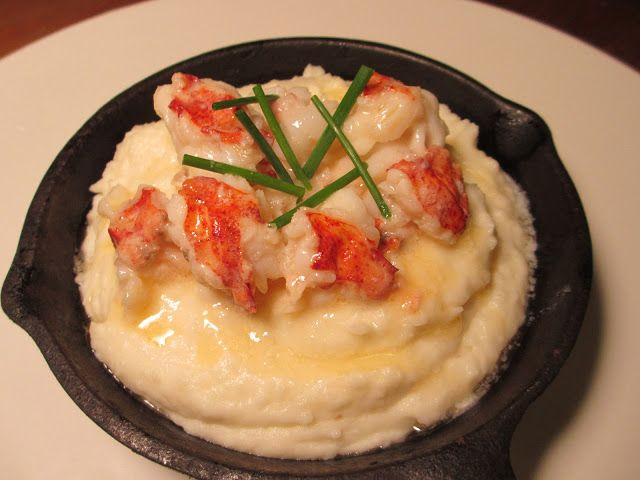 OMG  the only reason I go to Red Lobster I now found a recipe for!!! Lobster Mashed Potatoes | Sunday Chicken Dinner
