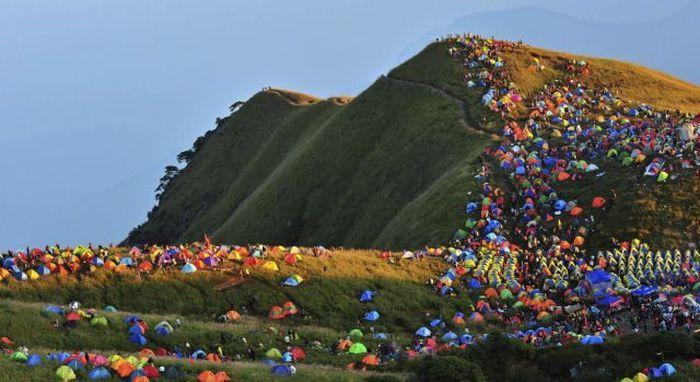 Cand mergi cu cortul la munte sa te relaxezi