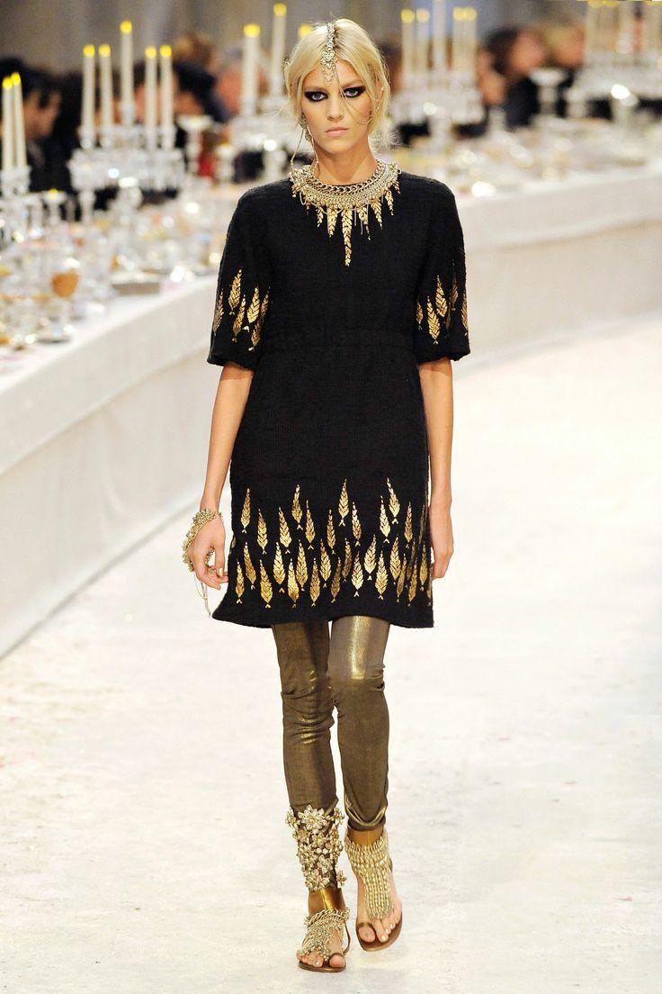 A/W12 Le défilé Chanel Métiers d'Art Paris-Bombay #fashion #chanel #arts