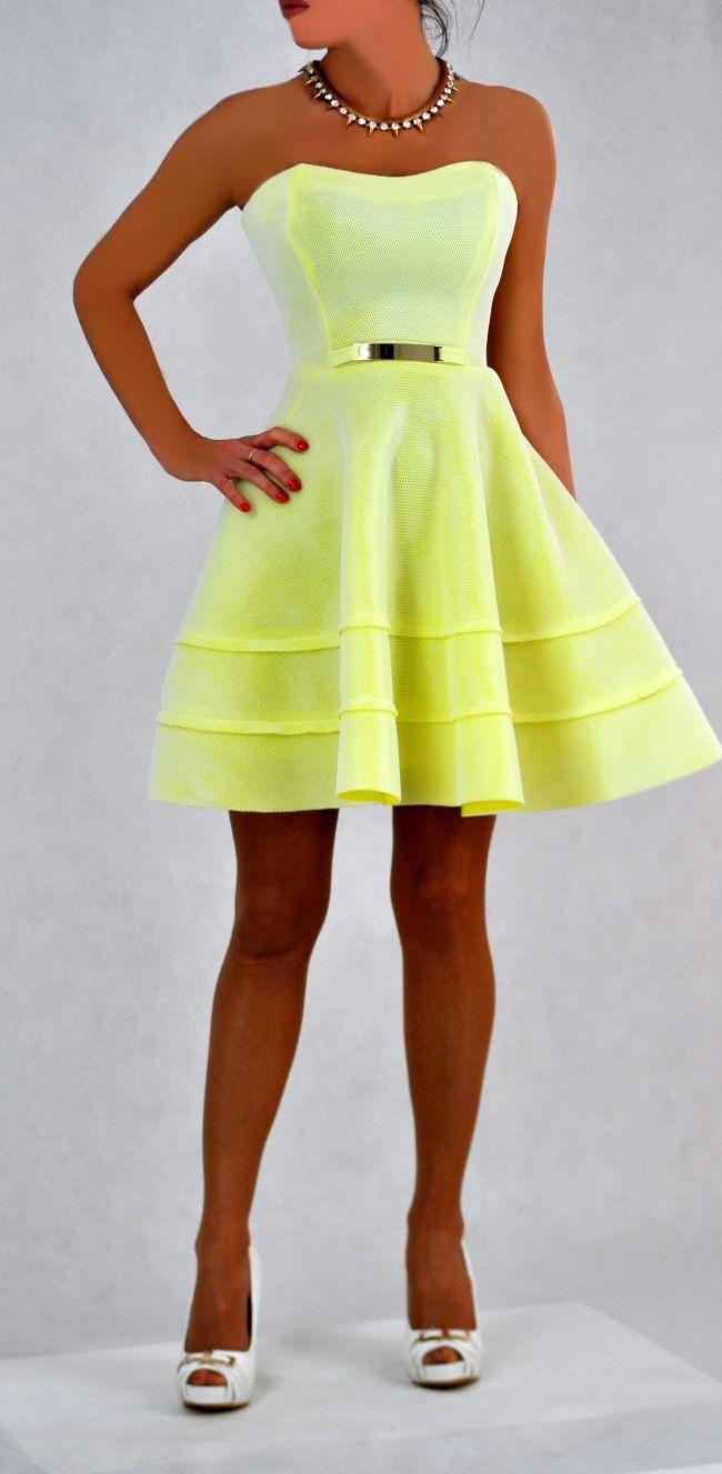 Strapless jurk in zomerse geel kleur!
