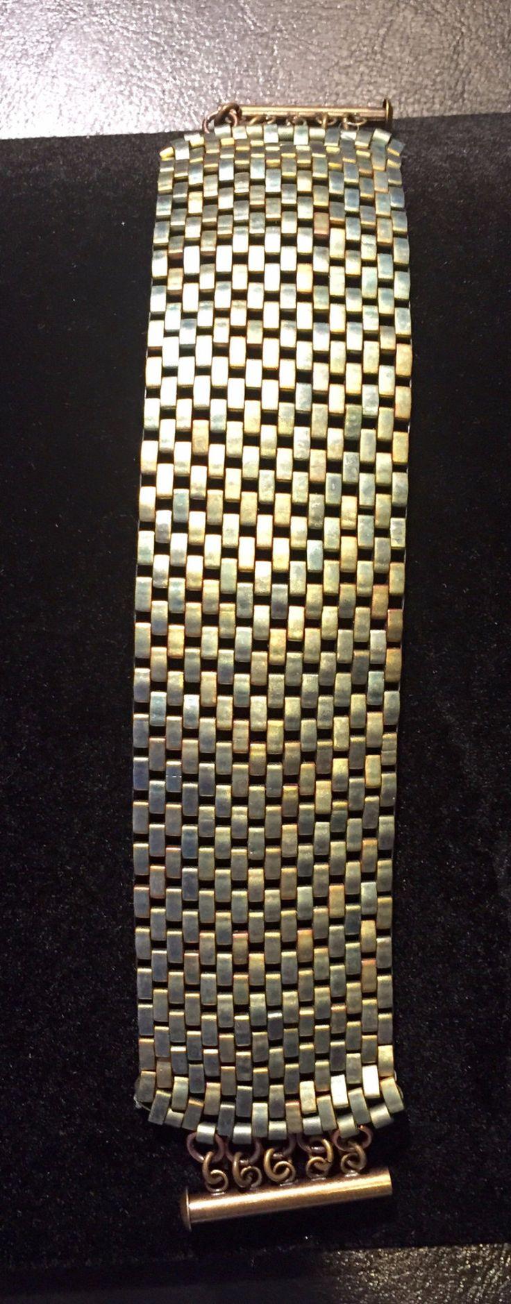 I really like this peyote cuff, pretty sure I can recreate...