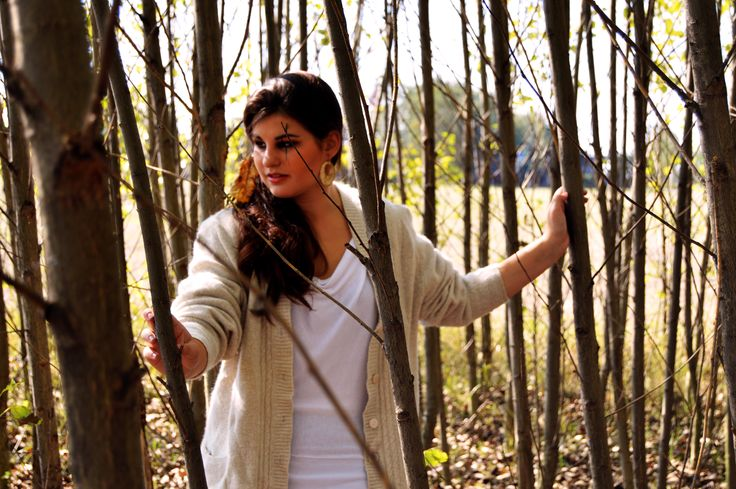 Boho fall outfit. Indian inspired fashion photoshoot.
