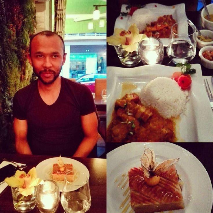 """Un petit tour à """" l'île de la Réunion"""" (96 rue Daguerre 75014) rougail boucané & gâteau de patate douce. Une tuerie! #iledelareunion #reunionfood #rougail #liveyoung #yummy #foodporn #weekeend #coincoin #paris by berengereagt"""