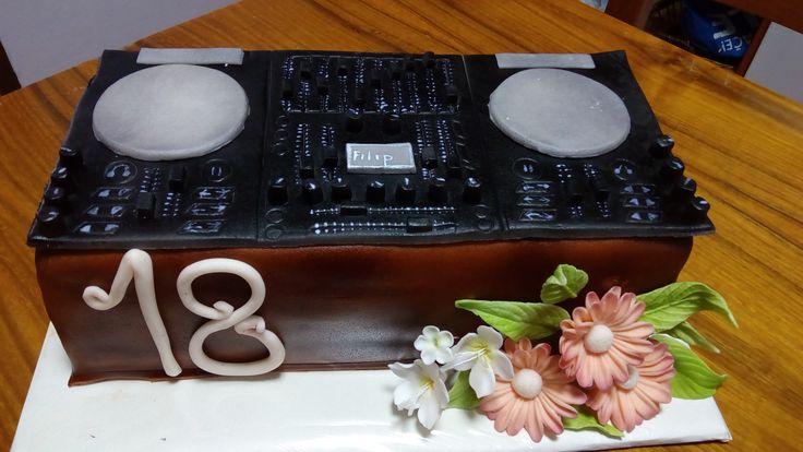 DJ mixážní pult- dort