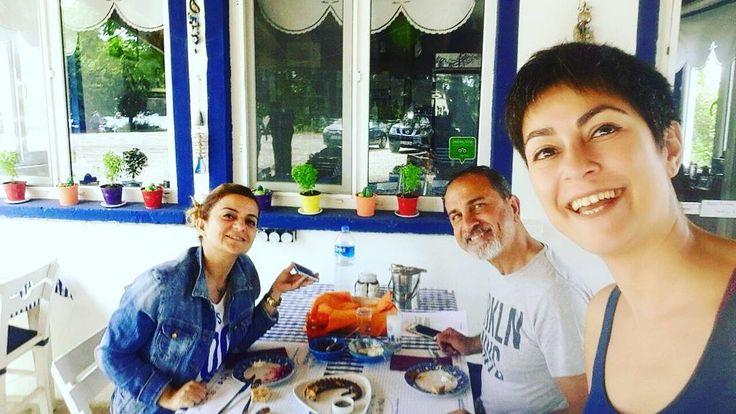 Bizim Daimilerimiz, Can dostlarimiz bize ugramadan geçmemişler. iyi ki varlar�� #travel #instagram #seyahat #geziblog #blog #asos #assos #sivricefeneri #sivricekoyu #sivrice #dostlar #midilli #midilliadası #meze #mezeler #sofra #tatil #meyhane #yemek #yemeicme #dinner #sivrice #dostlar #midilli #midilliadası http://tipsrazzi.com/ipost/1522421286218141385/?code=BUguhf7ho7J