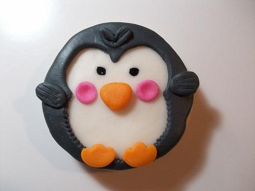 Galleta de Pinguino by Galletas y tortas de Anamaria, via Flickr