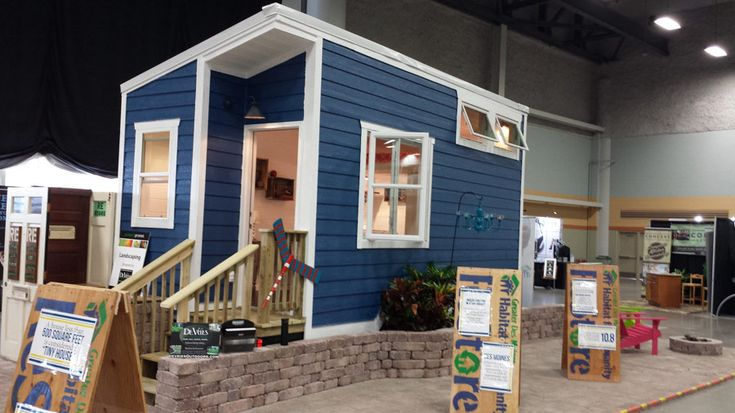 A Tiny House Built By Volunteers And Organized By The Greater Des Moines Habitat For Humanity