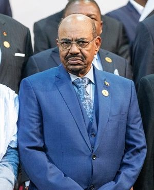 """President Jacob Zuma has met with Sudanese President Omar al-Bashir to """"strengthen relations"""" between the two countries."""