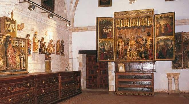Colegiata de San Cosme y San Damian **