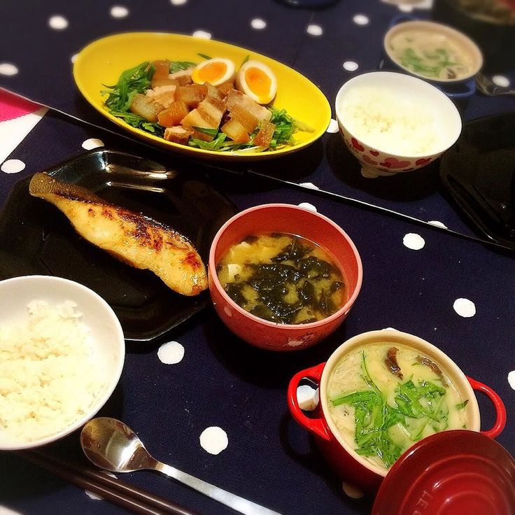 Today's dinner Gindara saikyo-yaki(Broiled Miso-marinated Black Cod) Chawanmushi(Steamed eggs) Pork belly salad with seasoned soft boiled eggs Miso soup Rice  本日のディナー 銀ダラ西京焼き 茶碗蒸し 豚の角煮と水菜のサラダ半熟味玉のせ 味噌汁 ライス  昨日の夜と今朝に下準備しといたから帰宅後15分でありつけた #dinner #dinnerfortwo #japanese #japanesefood #blackcod #casadesuzuki #porkbelly #chawanmushi #misosoup #postworkout #lecreuset #postworkoutmeal #ディナー #夕飯 #おうちごはん #銀ダラ西京焼き #豚の角煮 #茶碗蒸し #和食 #タンパク質 #フタリゴハン #ルクルーゼ by lilysuzuki