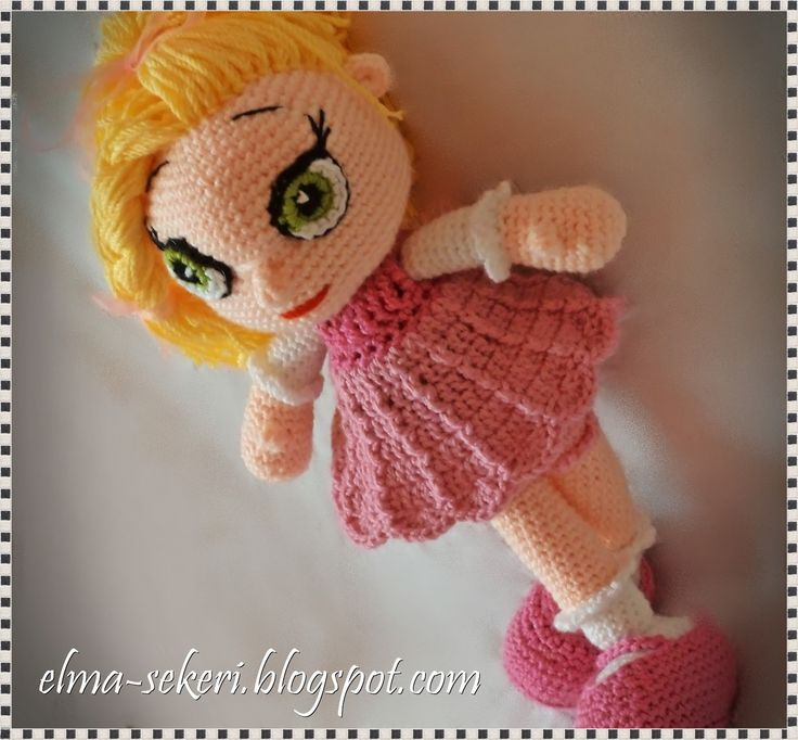 Sarışın pembe elbiseli amigurumi bebek / yellow hair pink dress amigurumi doll