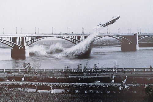 Soviet Air Force pilot Valentin Privalov flies his jet fighter under a bridge on the river Ob, in Siberia, June 4th, 1965. It looks like Privalov is emerging from under the water. Finally photographic proof of the Russian вода-самолет, a 2nd-generation descendant of Paperclip?