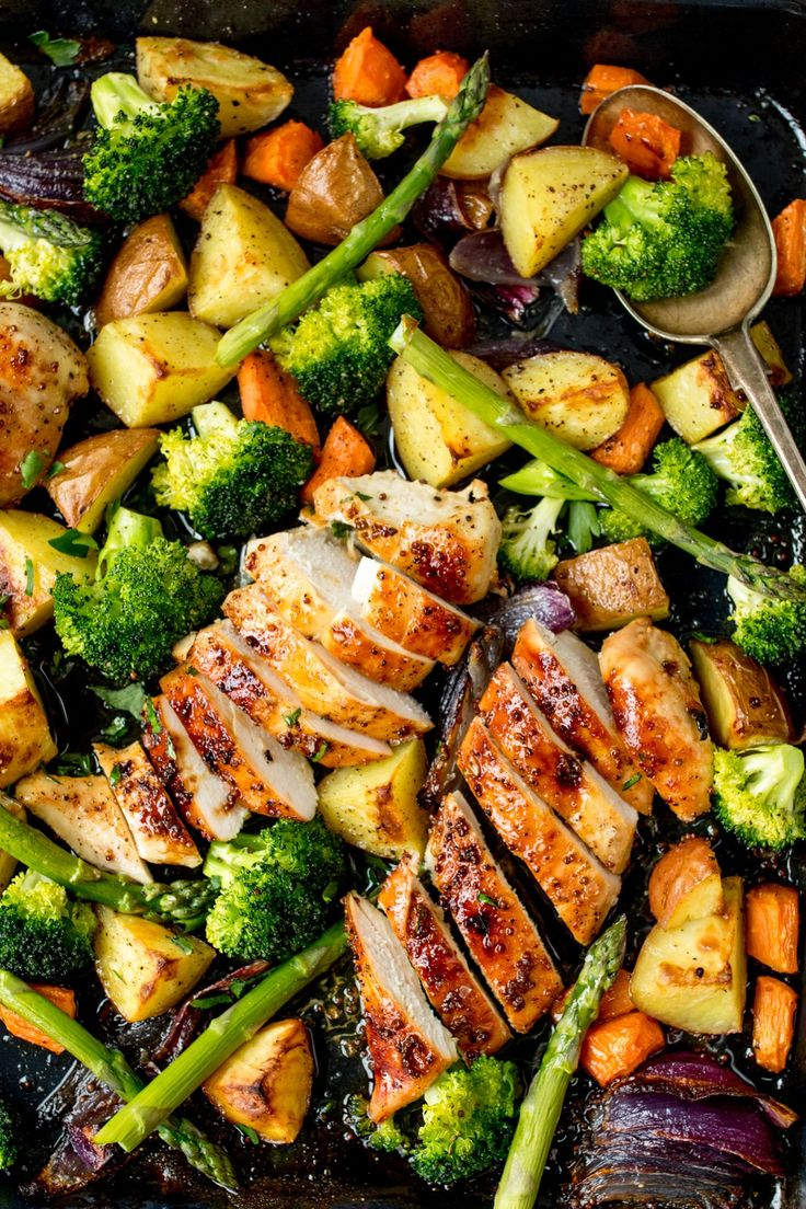 Save On The Washing Up With Our Sheet Pan Honey Mustard Chicken Recipe!