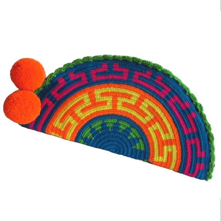 Guajira Abanico Wayuu Clutch. Handmade and Fair Trade  Wayuu Clutches – LOMBIA & CO. | www.LombiaAndCo.com