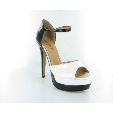 Sandalo in vernice by Ard #scarpe #donna #italianshoes