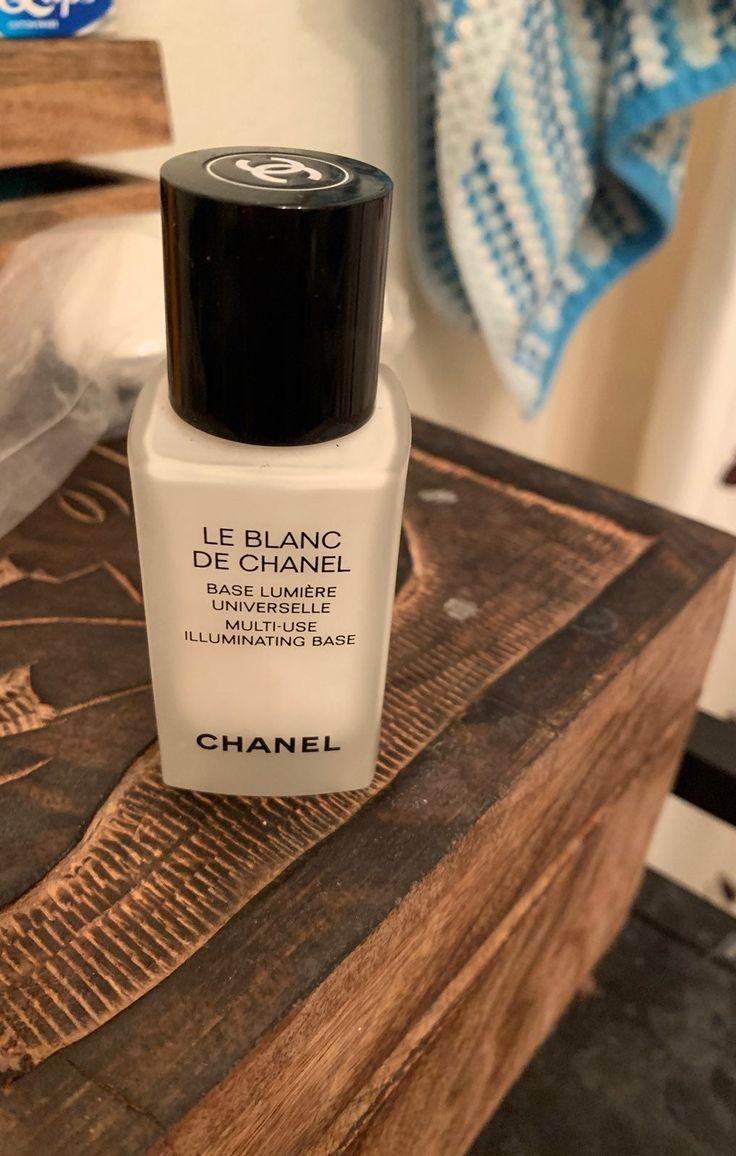 Le Blanc de Chanel lightening base primer ; Chanel