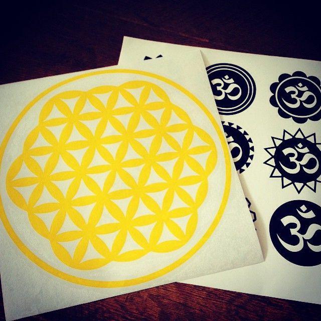 Flor de la vida amarilla transparente