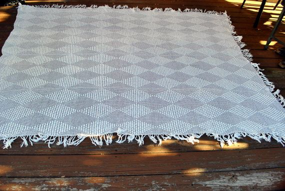 Hand Crocheted Vintage Bedspread or Tablecloth Popcorn