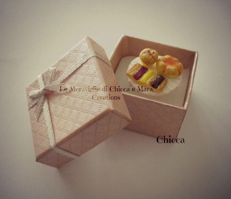 anello con pasticcini danesi e muffin (ring with Danish pastries and muffini)