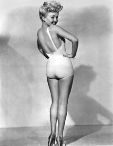 Glad Elizabeth golder era nude pics love hairy