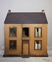 Antikes Puppenhaus bei antiques-atlas / Vintage Dollhous at antiques-atlas