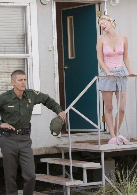 Barry Pepper as Mike Norton and January Jones as Lou Ann Norton, The Three Burials of Melquiades Estrada (2005)