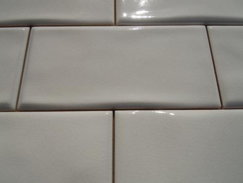 3 Quot X6 Quot Antiga White Wavy Crackle Subway Tile Has Color