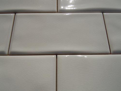 3X6ANTIGA WHITE WAVY CRACKLE SUBWAY TILE  HAS COLOR