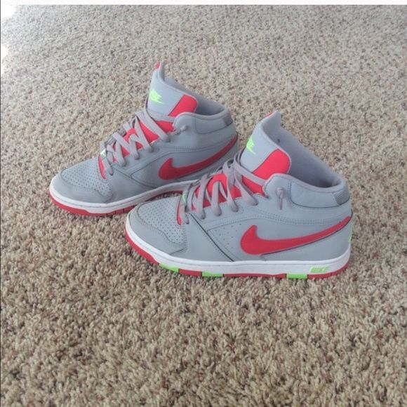 Super cute nikes These are super cute nikes I just don't wear them. Prices to trade. Nike Shoes Athletic Shoes