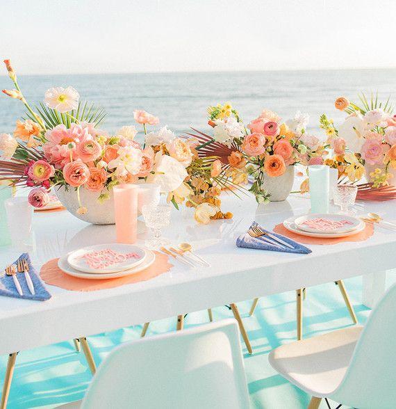 Inspiration Party/ Mariage Californien au bord de mer,aux couleurs acidulées…