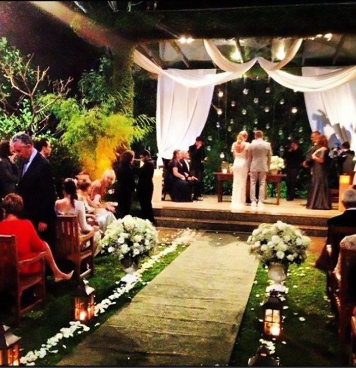 Casamento da atriz Luana Piovani com direito a chuva e naked cake |OMC