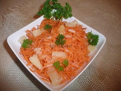 Surówka z marchewki i ananasa