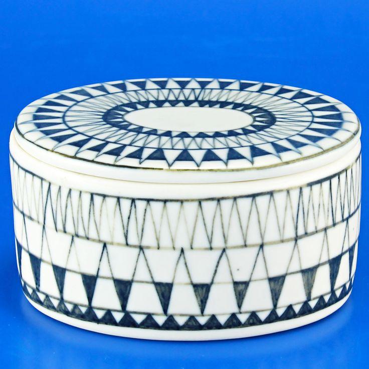 Brita Heilimo (Arabia 1950's) Beautiful jar with lid