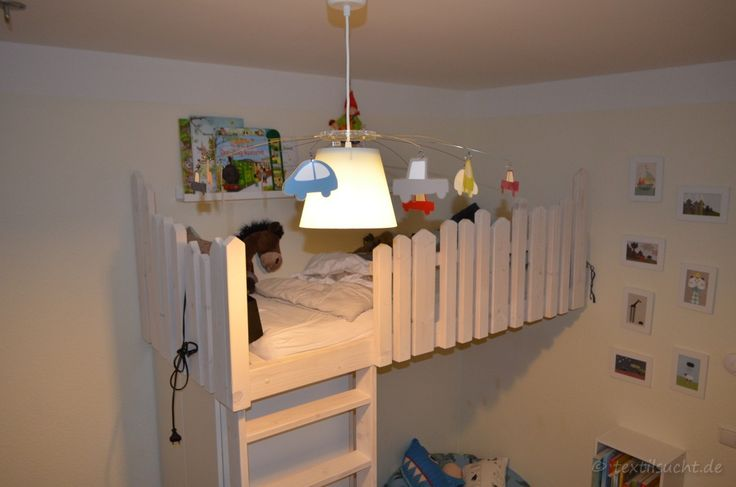 die besten 25 hochbett selber bauen ideen auf pinterest hochschulwohnung schlafzimmer. Black Bedroom Furniture Sets. Home Design Ideas