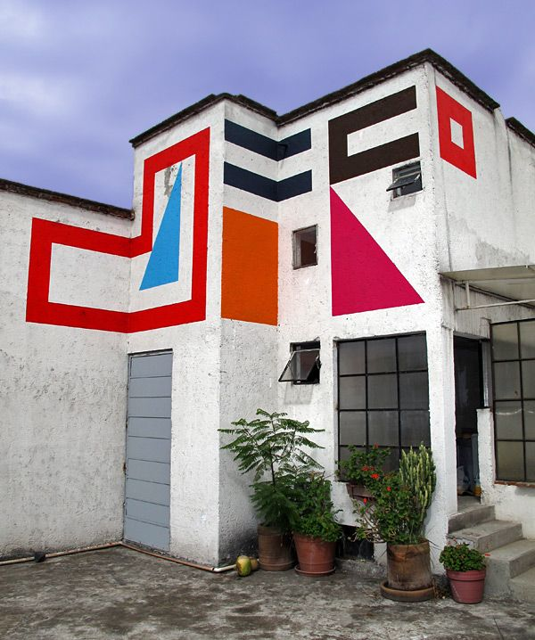 """""""Nestor Quiñones organized the exhibition """"Espacios Flexibles"""" in collaboration with Anonymous Gallery (New York) and La Curtiduria (Oaxaca) to give continuity to La Quiñonera as an exhibition space in parallel with the MUAC program."""""""