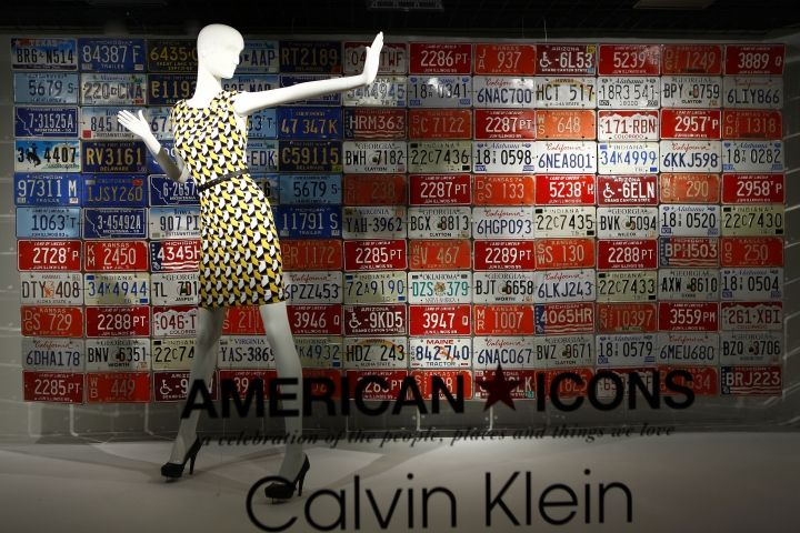 Macy's windows, New York » Retail Design Blog - we could make a backing for the window and cover in that girl bags