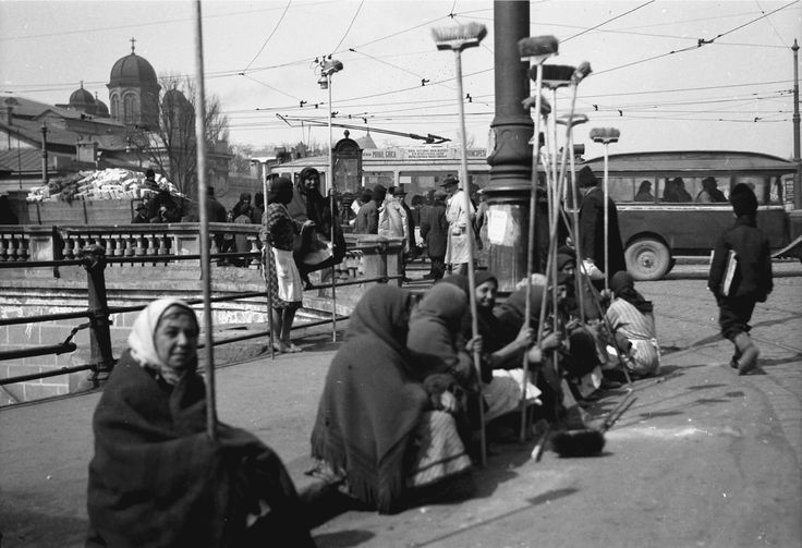 Gypsy women waiting to be hired, April 1932