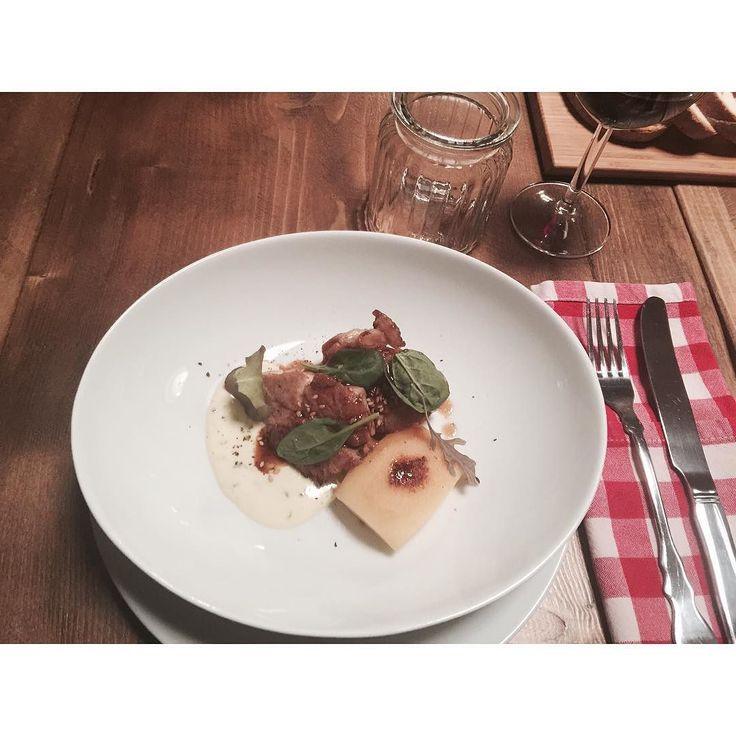 via @thefactoryfood: SWEETBREADS / APPLE / SWEET GARLIC  _____________________________  Animelle alla brace mela caramellata insalata fresca salsa aioli e sesamo tostato.  #bepartofit #mahiddenkitchen #mahksc #socialdinner #thefactoryfood #farmtotable #farmtofork #communaltable #sociality #goodvibes #madeinitaly #igersitaly #vscogood  #vivomilano #igersmilano #aroundmi #gourmetfood #topchef #chefstefanoratti #chefsofinstagram #chefslife #chefstalk #theartofplating #instachef #gourmet…