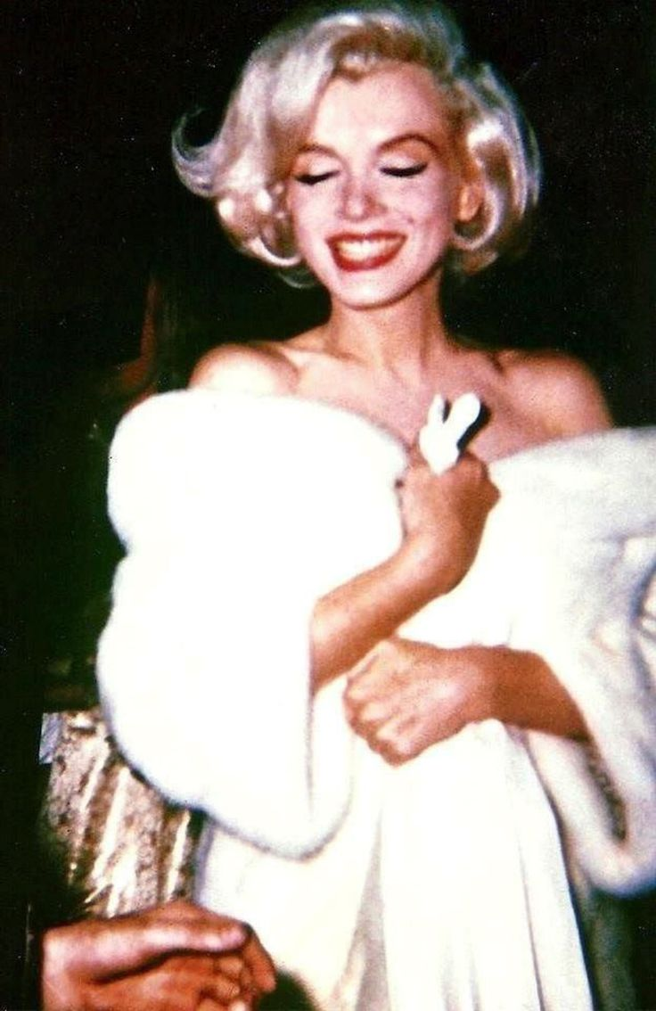 Marilyn Monroe upon her arrival at Madison Square Garden for John Kennedy's birthday gala, May 19, 1962.