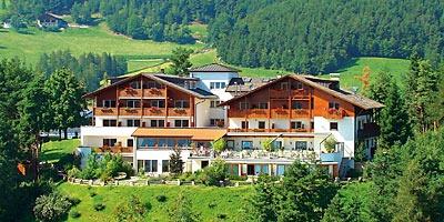 Die Lage vom Hotel Schönblick ist einzigartig. In der Natur und trotzdem ganz nah an der Landeshauptstadt.