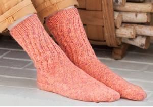 #Knitting Lace Toe-Up Socks Pattern An easy lace pattern up the facet of this…