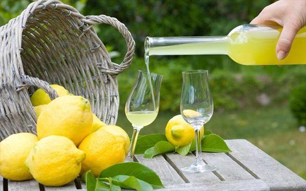 Γλυκές Τρέλες: Limoncello, συνταγή από την αγαπημένη μας Αργυρώ Μπαρμπαρίγου