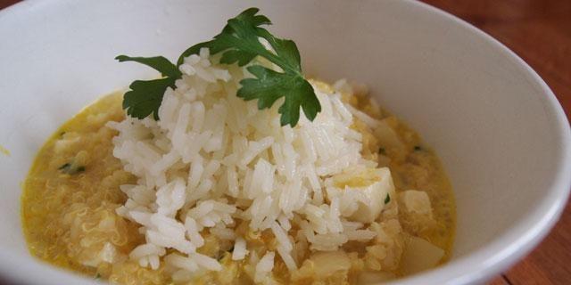 Quinoa Atamalada (Andean Quinoa Stew with Yellow Chili Pepper and Cheese) (peruvian)