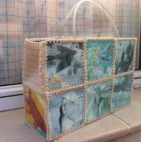 Esta es la bolsa que le he regalado a mi madre por su cumple. Hace tiempo que quería hacer una de este estilo y me decidí pensando que d...