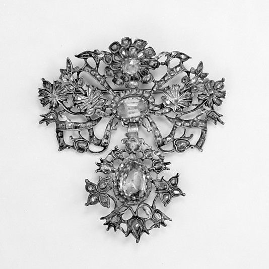 Now this would be quite nice with those earrings - perhaps it's already somewhere among the Marchbourne jewels? Brooch, 18th c. Silver, silver gilt, topaz, diamonds.