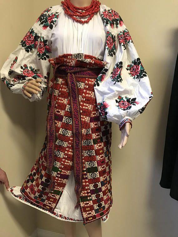 Handmade shirt Vyshyvanka Womens shirt Vintage Ukrainian shirt Folk dress.